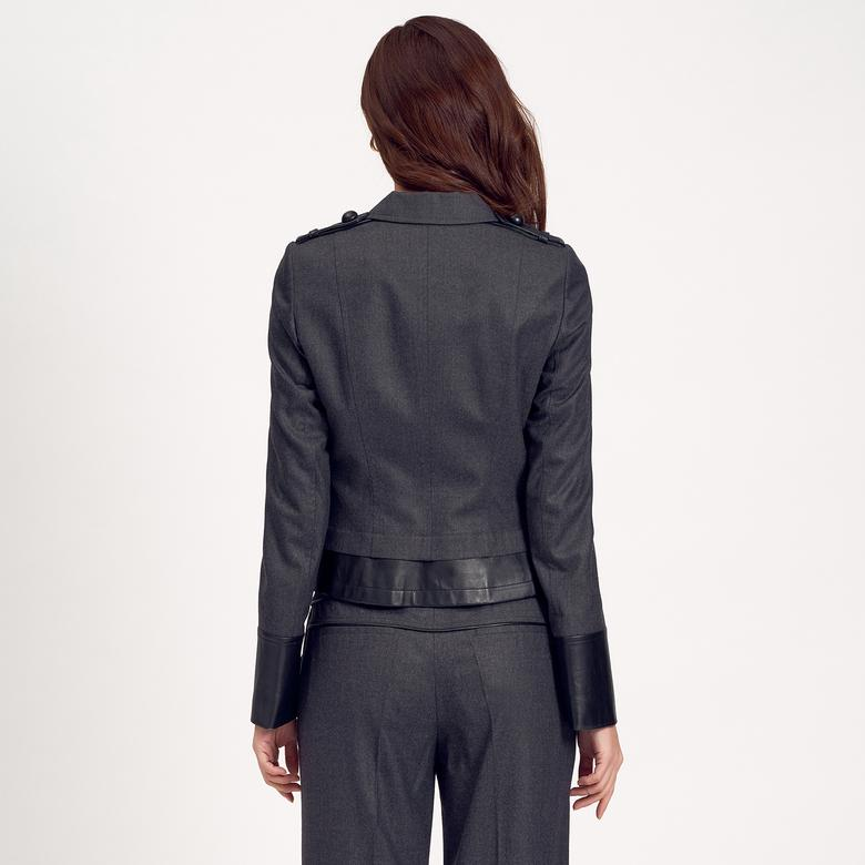 Deri Detaylı Kısa Kadın Ceket 1010007164001